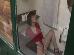 Lola brutally fucked in the toilett