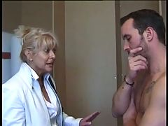 Horny French mature gets fucked in both holes _: anal french matures